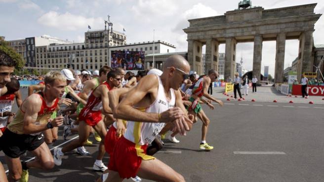 Chema Martínez, en el maratón de Berlín.