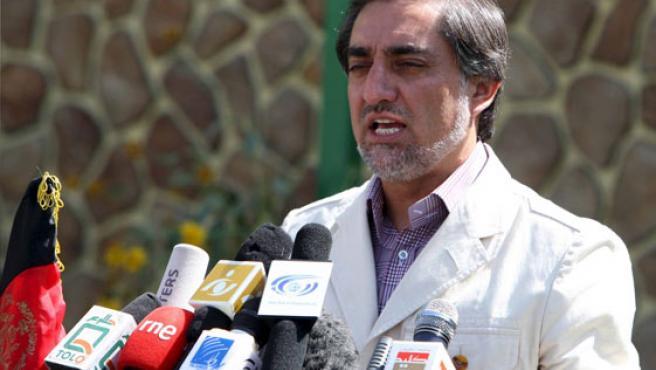 El candidato presidencial afgano Abdulá Abdulá, durante una comparecencia ante los medios de comunicación.