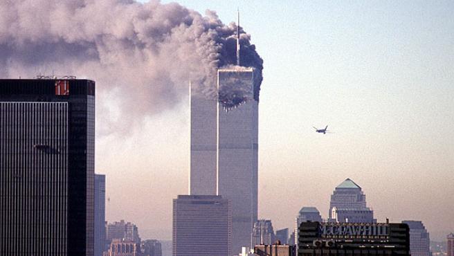 El segundo avión se aproxima a las Torres Gemelas durante los atentados del 11-S.