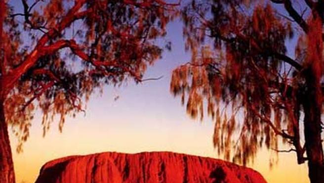 Estampa de 'Ayers Rock', un de las formaciones rocosas más famosas del mundo.