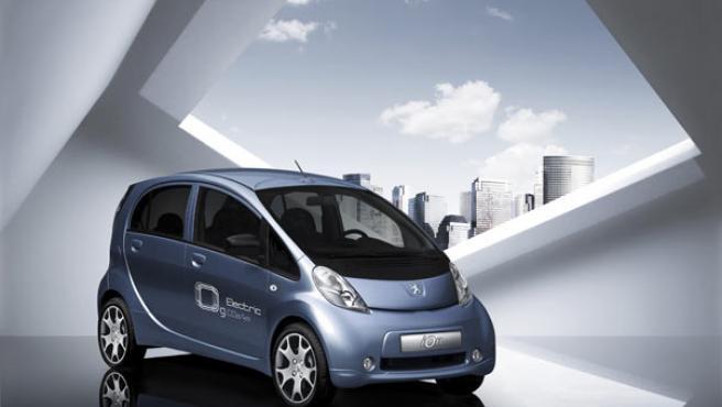 Imagen del nuevo vehículo eléctrico de Peugeot.