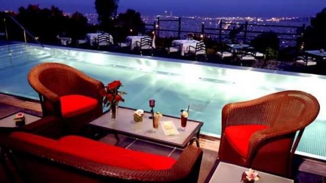Terraza del Miramar bar en el Hotel Florida de Barcelona.
