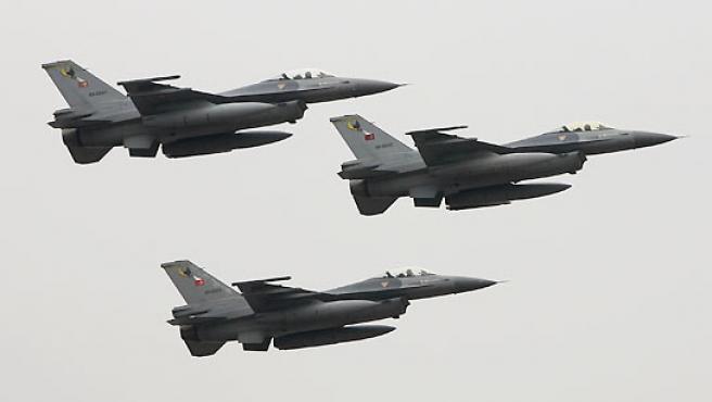 Fotografía de archivo de aviones del Ejército turco. (REUTERS).