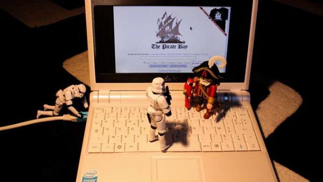 Los piratas siguen batallando.