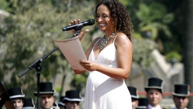 La cantante israelí Noa sonríe ante el intento de boicot de su actuación.