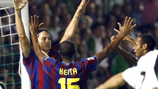 El delantero sueco del Barcelona, Zlatan Ibrahimovic (i).