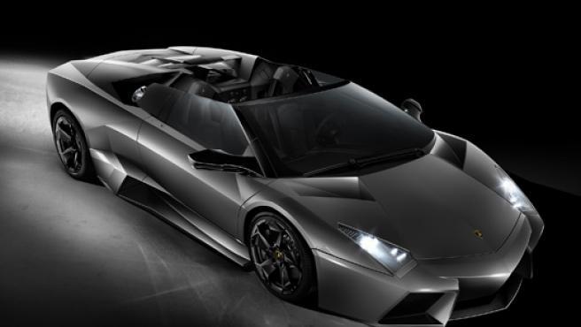 Se mire por donde se mire el Lamborghini Reventón Roadster impresiona.