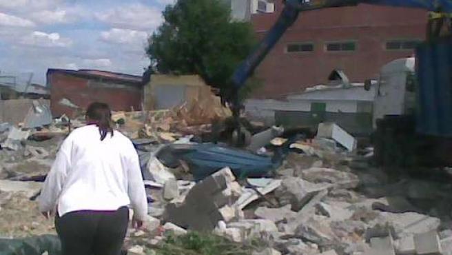 Irene, una mujer cuya casa fue derribada en la Cañada Real.