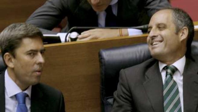 El presidente de la Generalitat, Francisco Camps, junto a Vicente Rambla y Ricardo Costa (c), en el Debate sobre el Estado de la Comunitad en Las Cortes Valencianas.