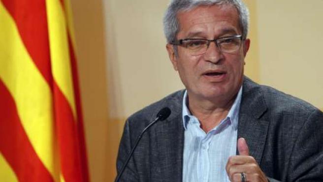 El conseller de Interior del Gobierno catalán, Joan Saura, durante la rueda de prensa tras la reunión del Ejecutivo.