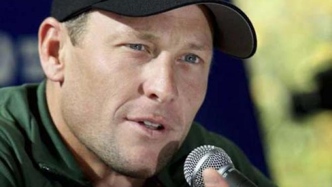 Lance Armstrong, en una rueda de prensa.