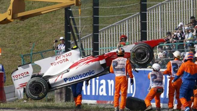 El coche de Timo Glock, tras el accidente.