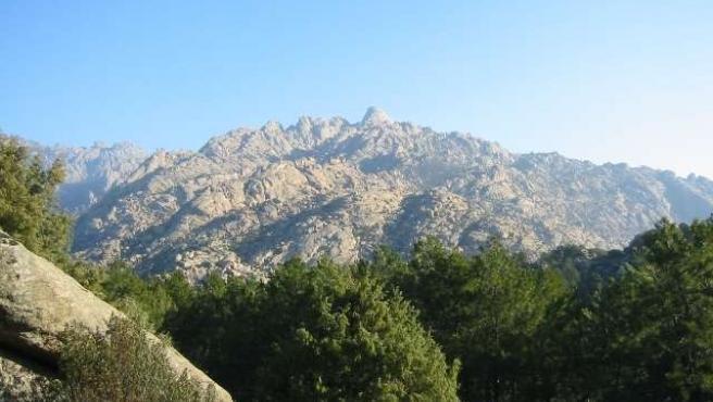Vista de la Peña del Yelmo de La Pedriza.