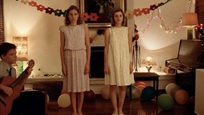 Aggeliki Papoulia y Mary Tsoni en 'Canino'.
