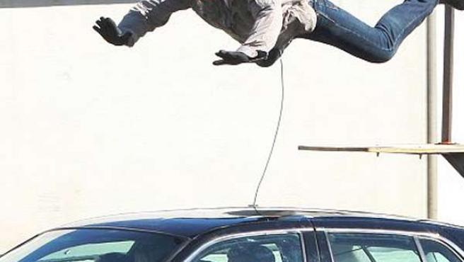 Tom Cruise, rodando una escena de acción de su última película, 'Wichita'.