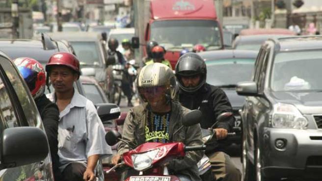 Los atascos se han convertido en un grave problema en Yakarta.