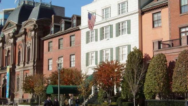 Vista fronal de la Blair House, la residencia oficial de los jefes de Estado y personalidades que visitan la Casa Blanca en Washington (EE UU).