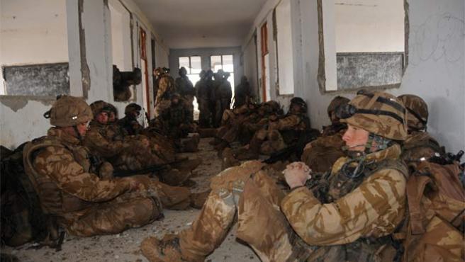 Soldados británicos, durante la operación 'Sond Chara', en el distrito afgano de Nad i Ali, el pasado mes de enero.