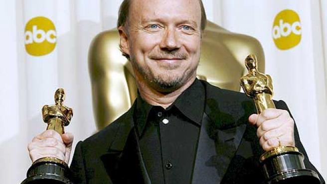 El director de cine Paul Haggis, con sus Oscar.