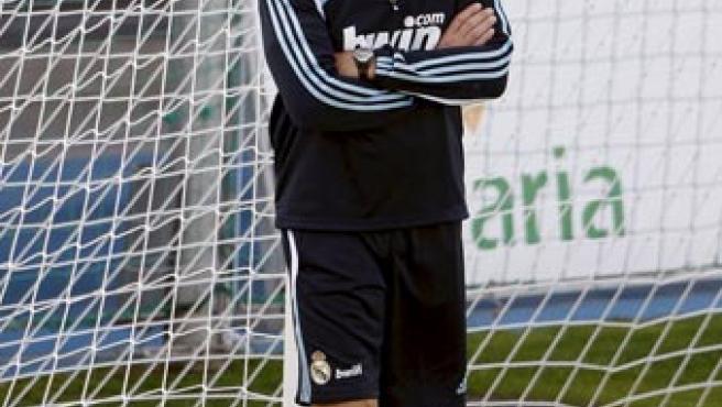 Manuel Pellegrini, durante un entrenamiento del Real Madrid en la ciudad deportiva de Valdebebas.