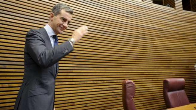El ex secretario general del PP de la Comunitat Valenciana y ex portavoz popular en Les Corts Valencianes, Ricardo Costa, a su llegada al Parlamento.