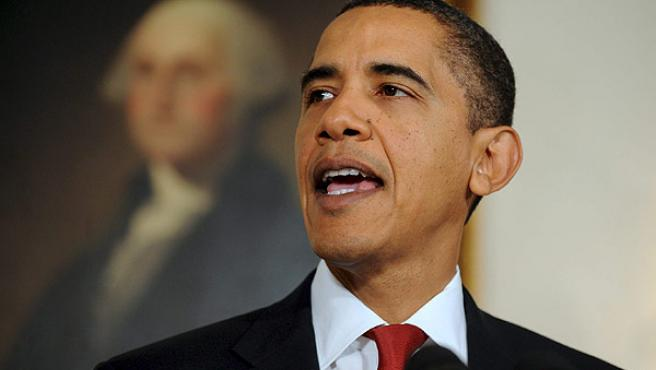 Barack Obama anuncia que aumenta los fondos destinados a tratar a personas que viven con VIH y enfermos de sida.