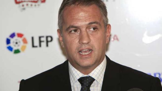 El presidente de la Liga de Fútbol Profesional (LFP), José Luis Astiazarán, atiende a los medios de comunicación.