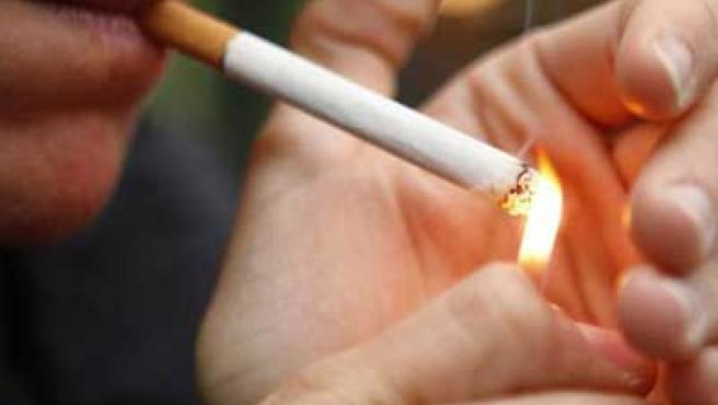 Las personas que fuman tienen más riesgo de padecer este tumor.