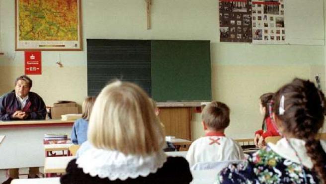 El Congreso de los Diputados pide aplicar en todas las escuelas la sentencia de Estrasburgo sobre los crucifijos.
