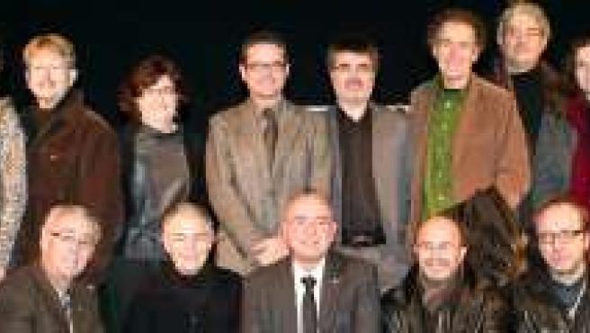 El conseller de Cultura, Joan Manuel Tresserras, y representantes de 20 entidades culturales.
