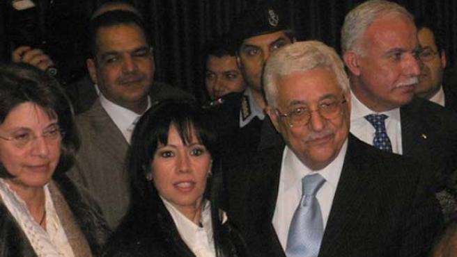 Abbas, durante su encuentro con la Plataforma de Mujeres Artistas en la Navidad de 2008.