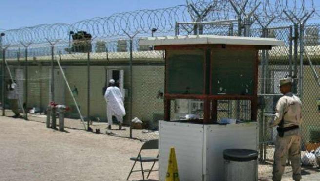 Obama anunció tras su llegada a la Casa Blanca que cerraría Guantánamo en enero de 2010.