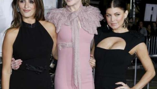 Penélope Cruz, Nicole Kidman y Fergie durante la presentación en Los Angeles del musical 'Nine'.