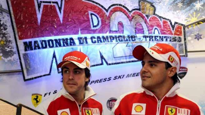 Los pilotos de Ferrari, Fernando Alonso y Felipe Massa.