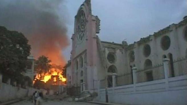 Un fuego provocado por el mayor terremoto que ha sufrido Haití en 200 años.