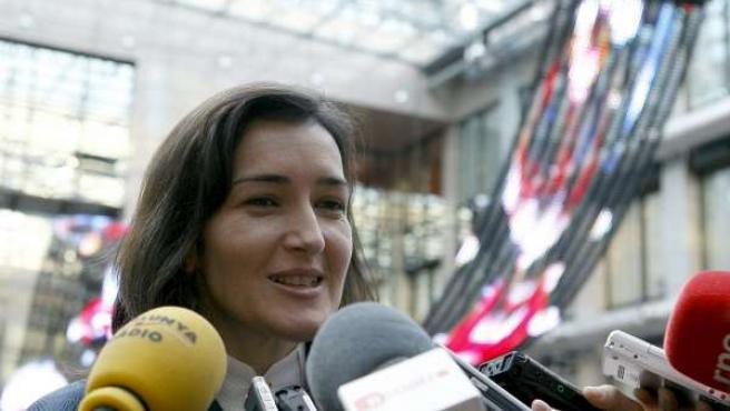 La ministra de Cultura, Ángeles González-Sinde, responde a las preguntas de los medios de comunicación.
