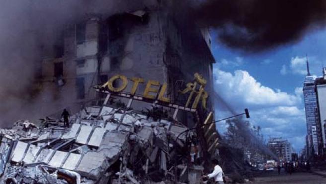 Hotel Regis, en el centro de la Ciudad de México, tras el terremoto del 19 de septiembre de 1985.