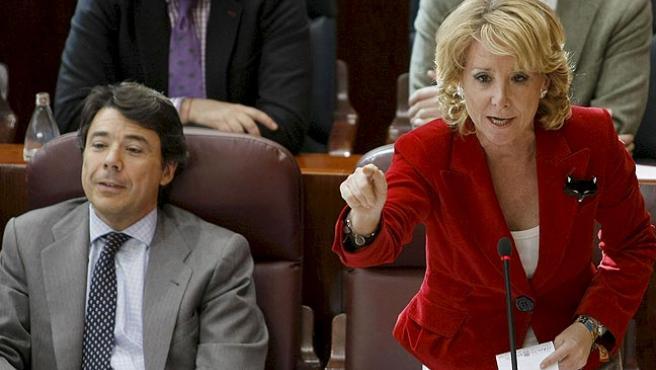 La presidenta de la Comunidad de Madrid, Esperanza Aguirre, junto a vicepresidente de la región, Ignacio González.