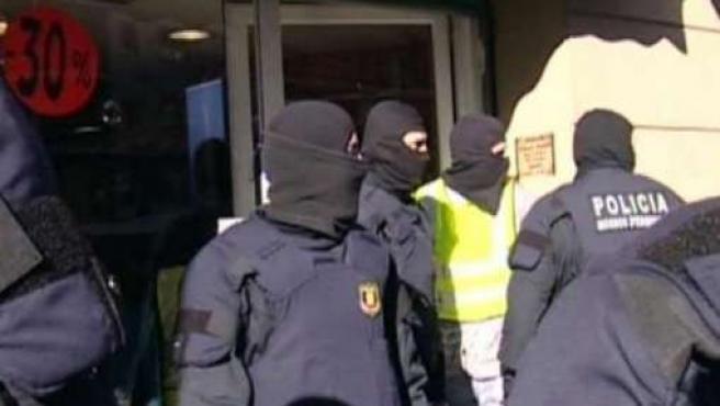 Pasan a disposición judicial una decena de detenidos en la operación contra los Boixos.