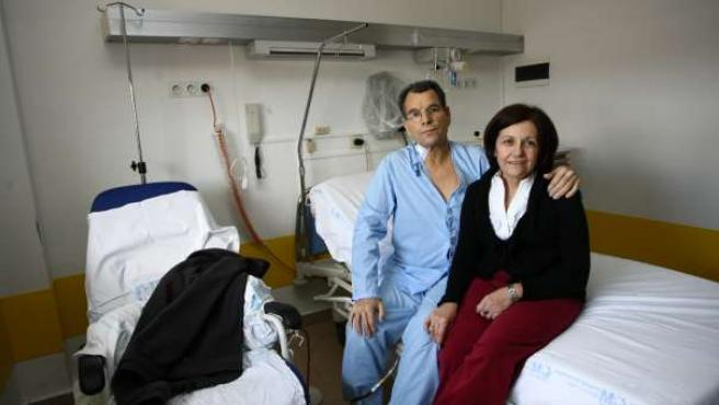 A Fernando López le acaban de trasplantar el hígado.