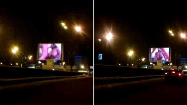 Imágenes del momento en que la película porno era emitida en un monitor en pleno centro de Moscú.