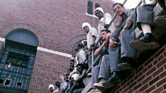 El director de 'La identidad de Bourne' dirige un motín en la cárcel