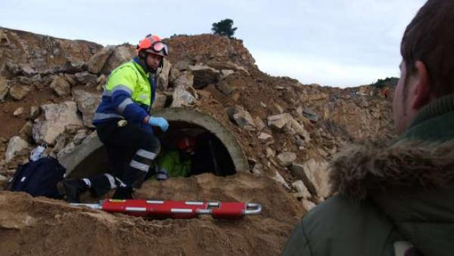 Los equipos de rescate en el simulacro de terremoto realizado en Santomera (Murcia).