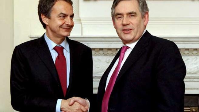 José Luis Rodríguez Zapatero y Gordon Brown, en Londres, en una imagen de archivo.