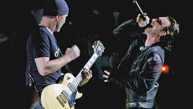 Bono y The Edge, durante una actuación en una foto de archivo.
