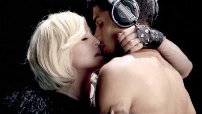 Madonna y Jesús Luz, en una imagen de un videoclip de la artista.