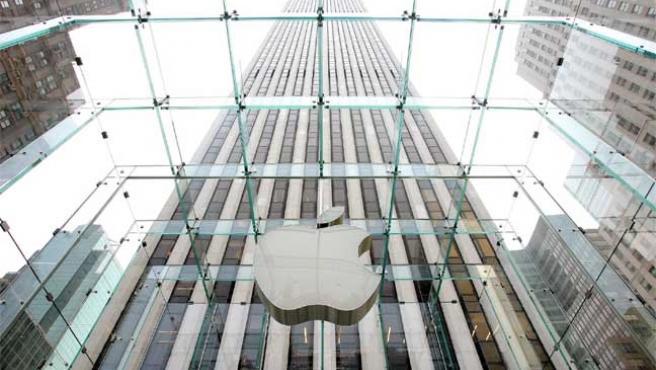 Apple, entre las cuerdas.