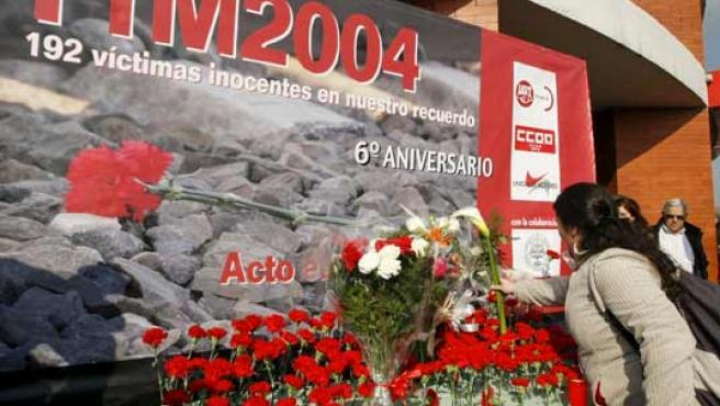 Uno de los homenajes del día a las víctimas del 11-M se ha celebrado en Atocha.