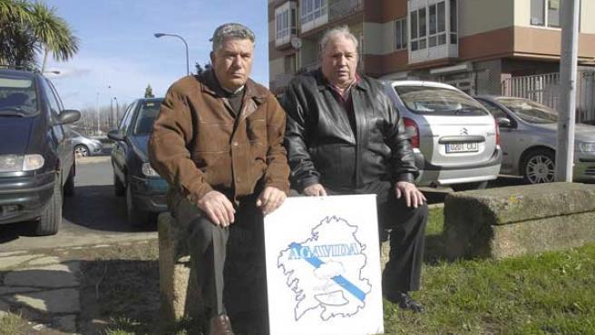 Emilio Rodríguez y Espiñeira y José Luis Castro, ex trabajadores de la empresa Bazán y afectados por el amianto.