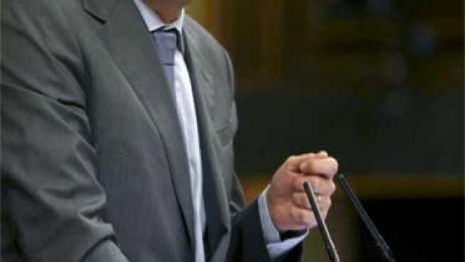 El diputado socialista Óscar López defiende la Ley de la Comunicación Audiovisual.